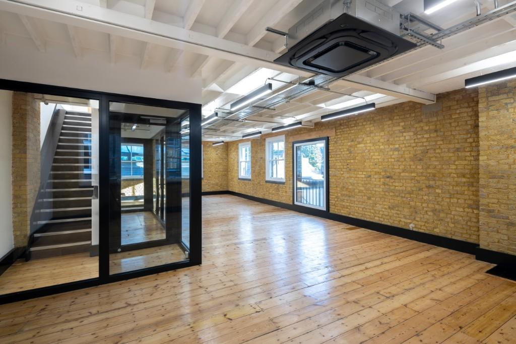 property to rent in 52 Thrale Street, London, SE1