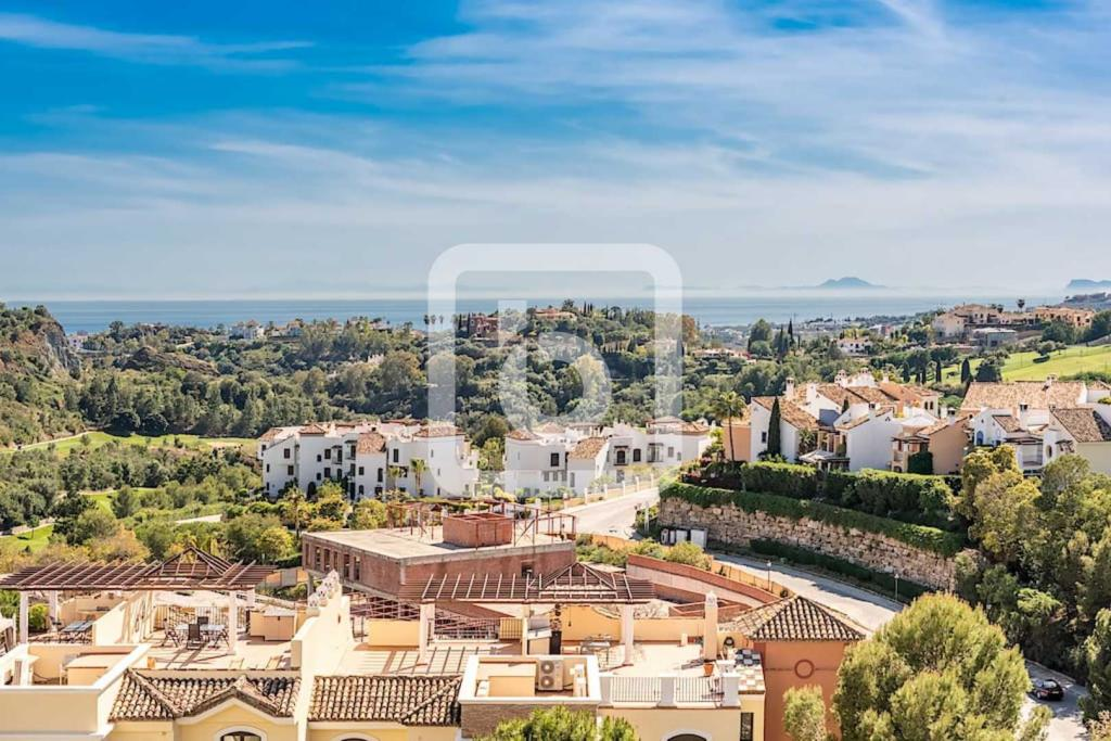 Apartment for sale in Marbella, Costa Del Sol...