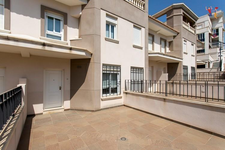 3 bedroom property for sale in Valencia, Alicante...