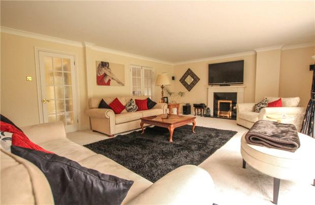 living in a small room 5 bedroom detached house for in elm park sunningdale 22499