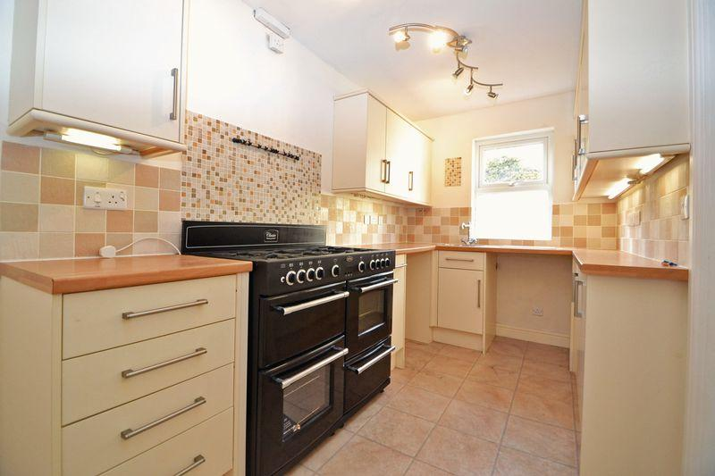 kitchen design weston super mare 3 bedroom terraced house to rent in milton brow weston 361