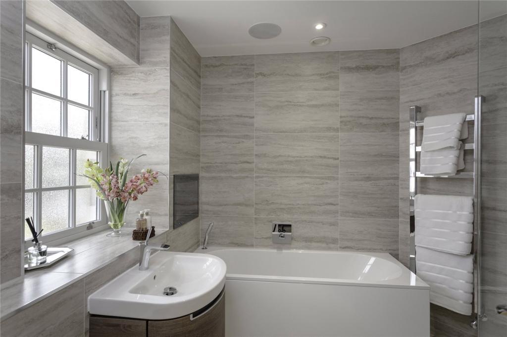 Grange Builders,Bathroom