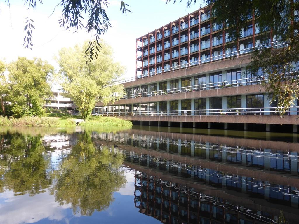 2 bedroom apartment for sale in Lake Shore Drive, Bristol ...