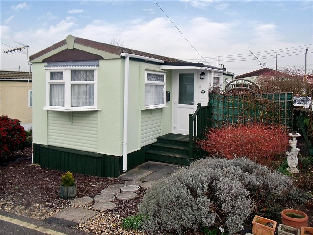 1 Bedroom Mobile Home For Sale In Dunton Park, Brentwood