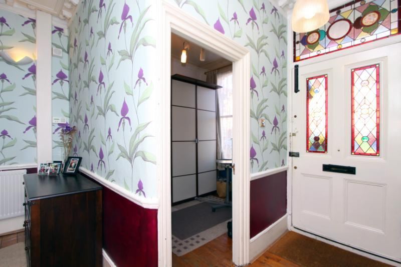 Glass Stained Glass Design Ideas, Photos & Inspiration | Rightmove ... - Hallway Wallpaper Ideas
