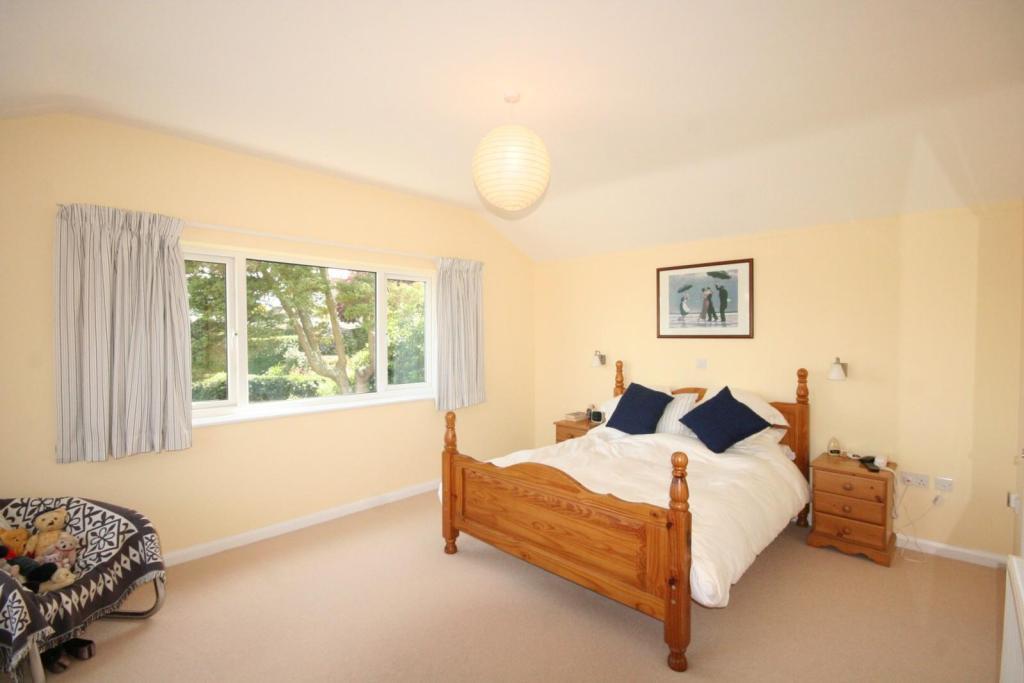 Magnolia Bedroom Design Ideas, Photos & Inspiration