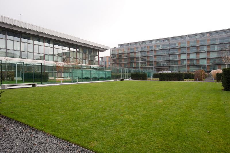 1 bedroom apartment for sale in southstand apartments - Swimming pool highbury and islington ...