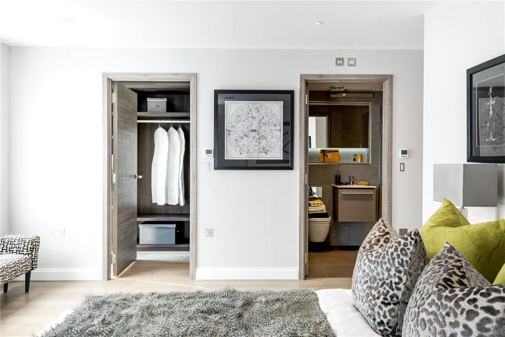 Thornsett,Ashburnham Mews,En-Suite