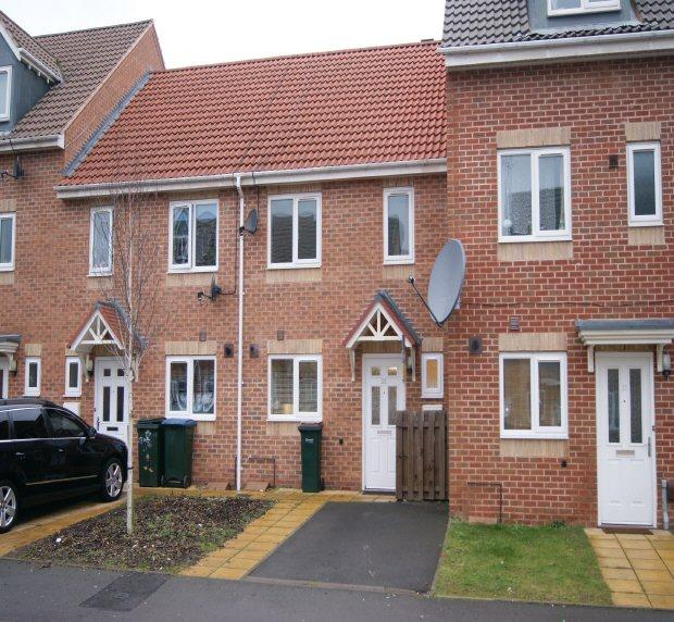 Jardine Apartments: 3 Bedroom Terraced House To Rent In Carroll Crescent