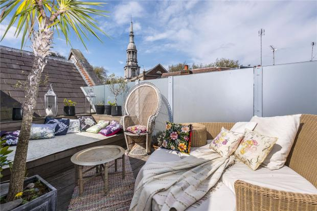 2 Bedroom House For Sale In Virginia Road Shoreditch