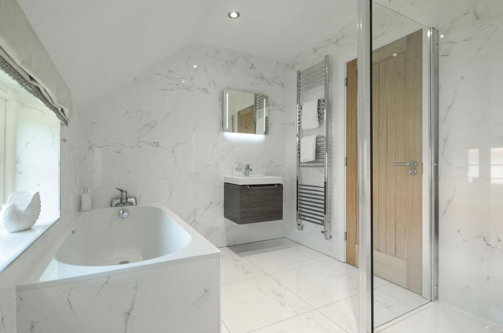 Daniel Gath Homes,Bathroom