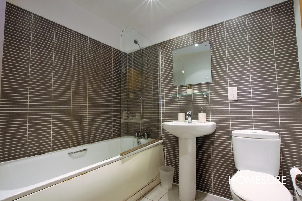 2 bedroom apartment for rent in Portside House, Duke ...
