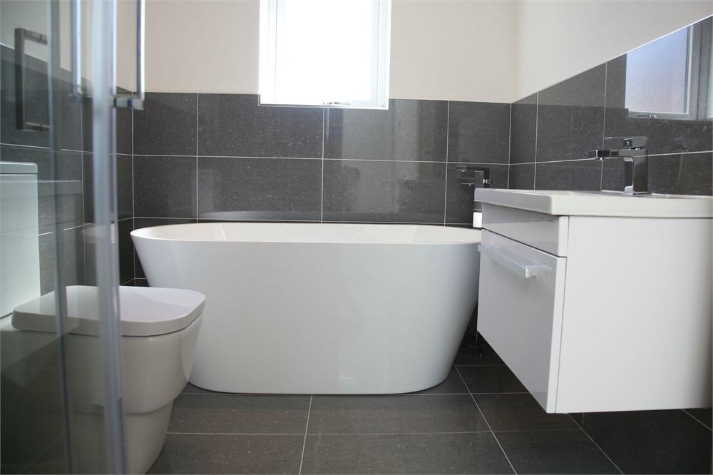 Martin Dyson Homes,Bathroom