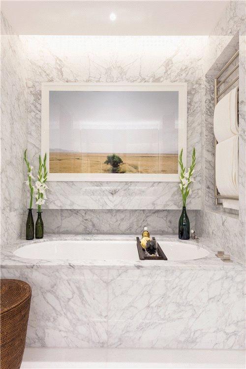 Holland Park Villas,Bathroom detail