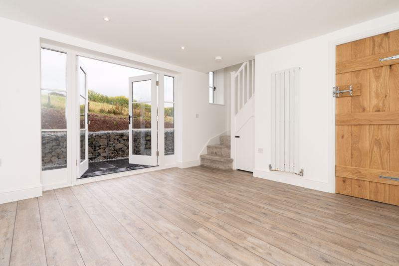2 Bedroom Barn Conversion For In, Kempson Ridge Oak Laminate Flooring