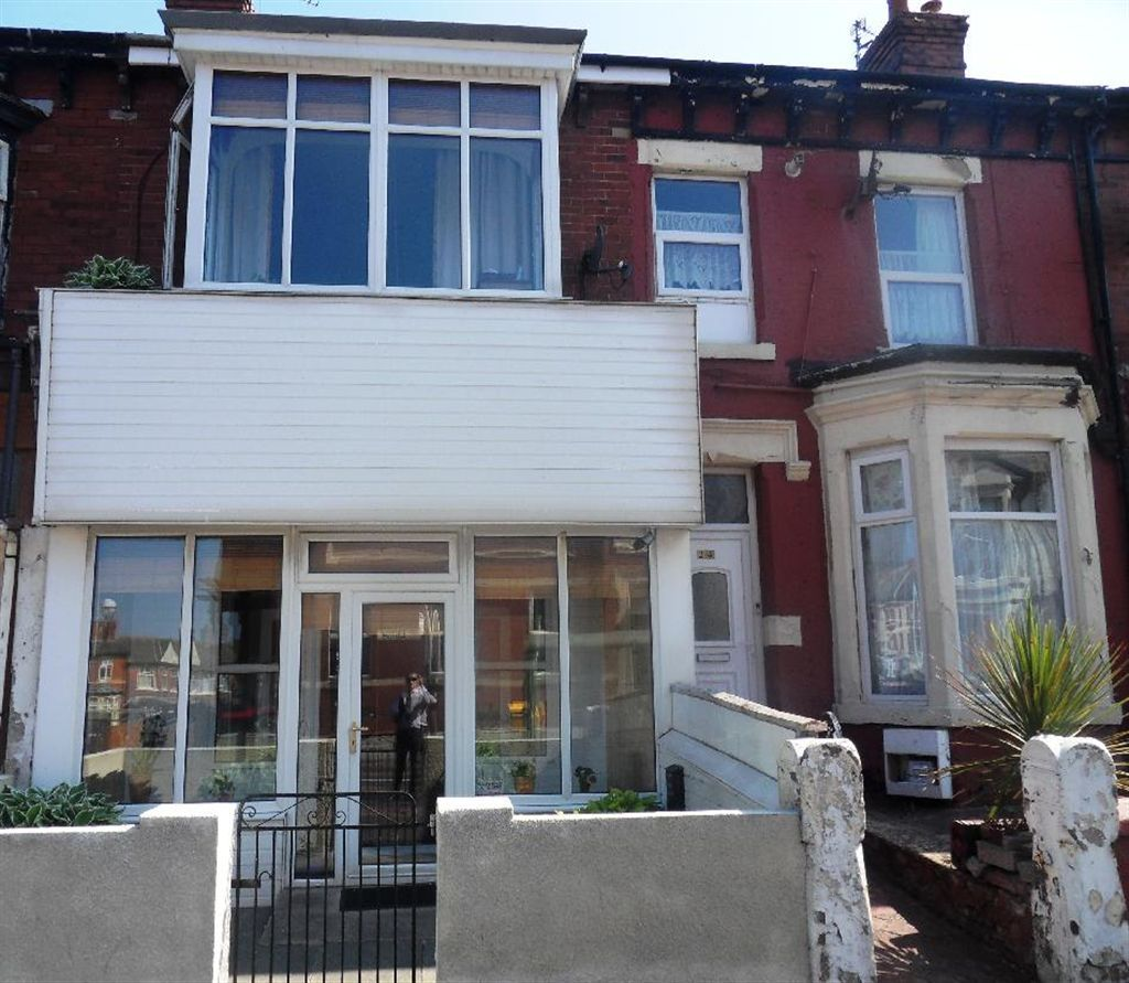 4 Bedroom House For Sale In Grasmere Road, Blackpool