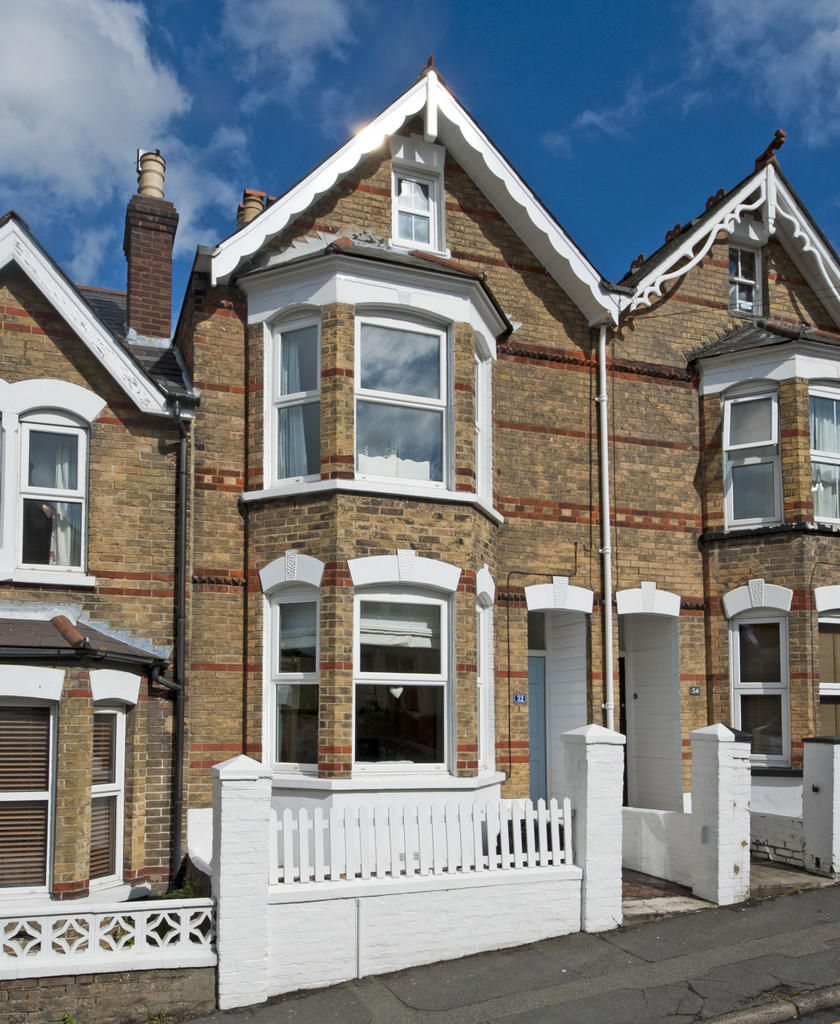 4 Bedroom Terraced House For Sale In Gordon Road, Cowes