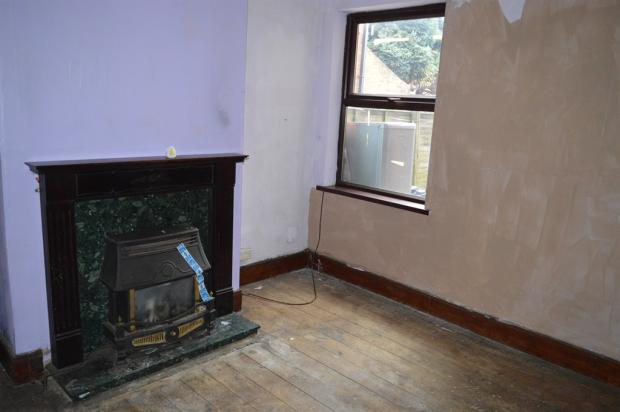 3 bedroom terraced house for sale in victoria street house for rent near 44138 house for rent 44134