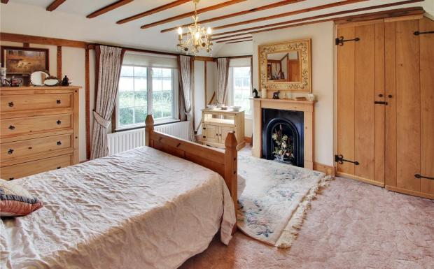 4 Bedroom Equestrian Facility For Sale In Henfield Road