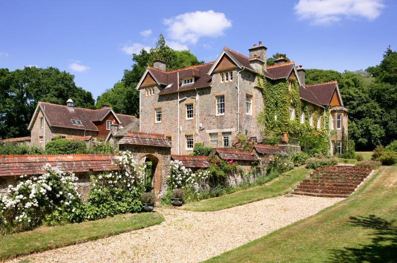 7 Bedroom Equestrian Facility For Sale In Exbourne