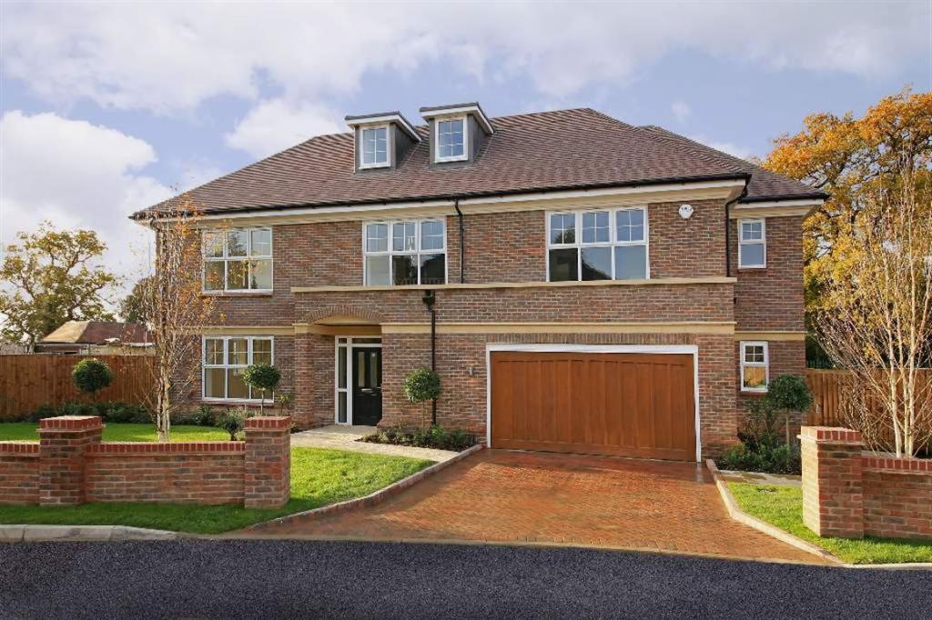 five bedroom houses 5 bedroom house for sale in london road shenley radlett wd7 875