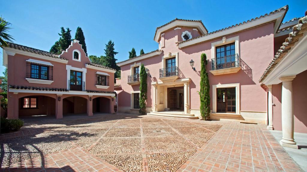 8 bedroom Villa for sale in Marbella, Málaga...