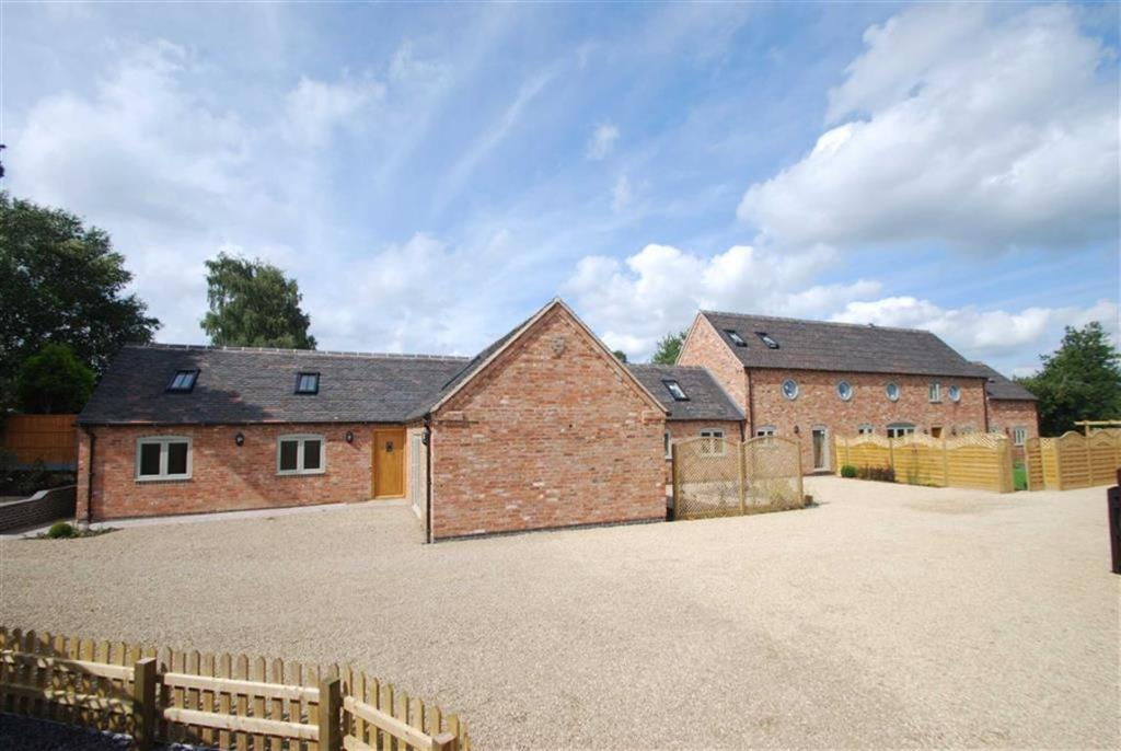 2 Bedroom Barn Conversion For Sale In School Lane Hill