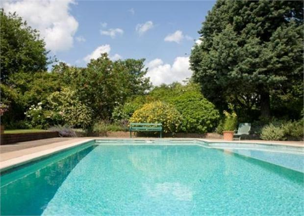 6 bedroom detached house for sale in woolards ash - Swimming pools in bishops stortford ...