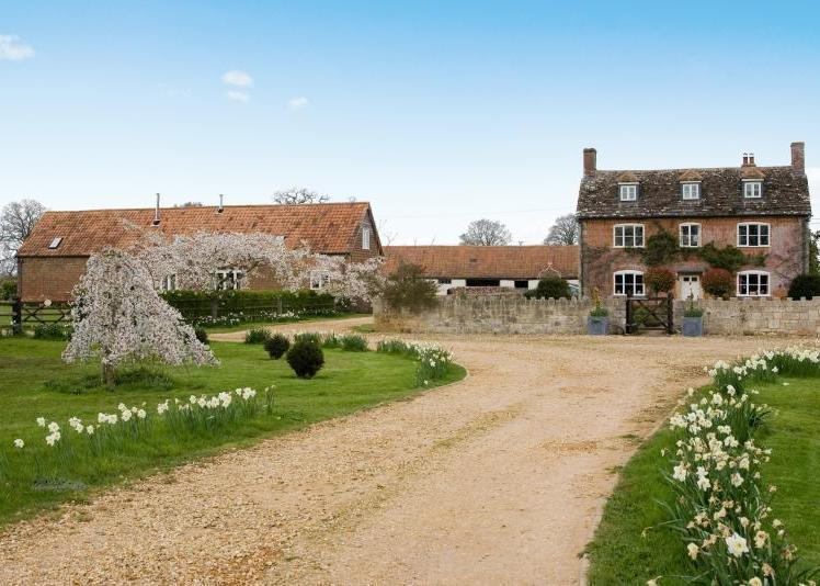 5 Bedroom House For Sale In Upper Foxhangers Farm Marsh