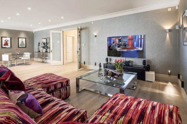 6 Bedroom Detached House For Sale In Castelnau Barnes