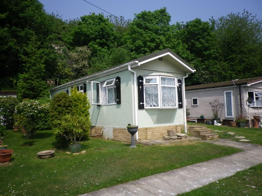 1 Bedroom Mobile Home For Sale In Cliffdale Gardens