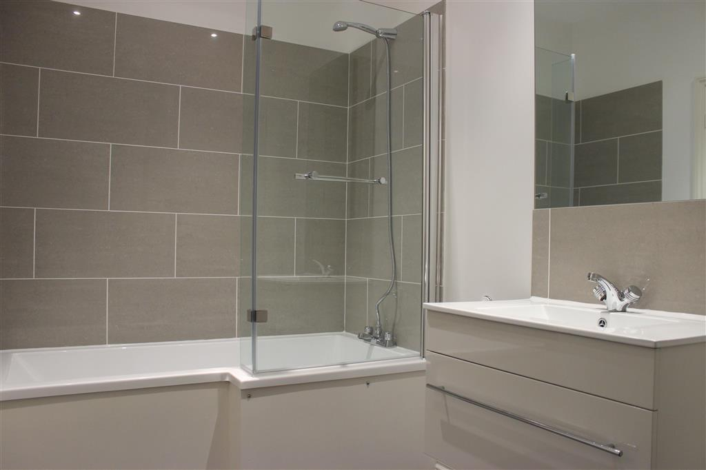 2 bedroom flat to rent in brighton road south croydon cr2 - 2 bedroom flats to rent in brighton ...