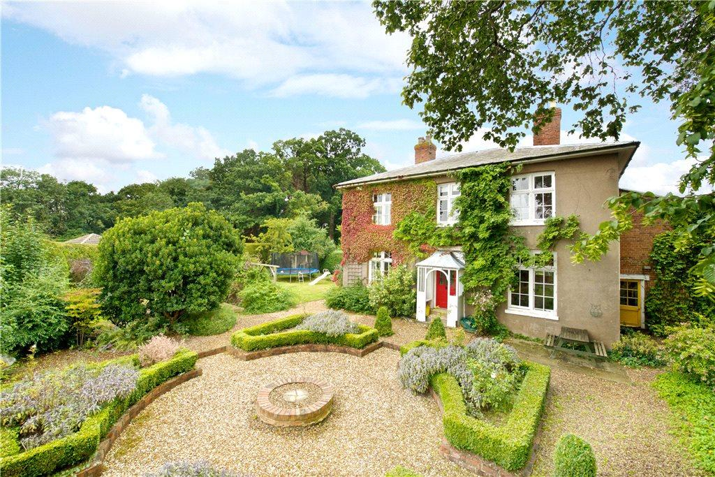 5 bedroom character property for sale in Barn Owl Close ...