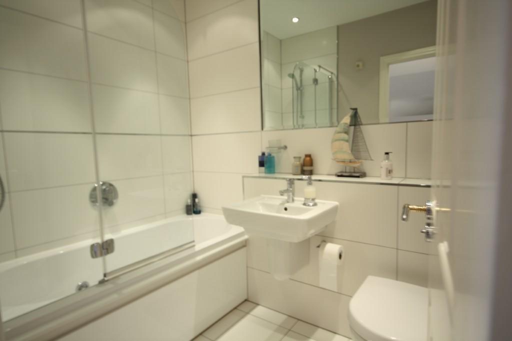 cream family bathroom design ideas photos  inspiration