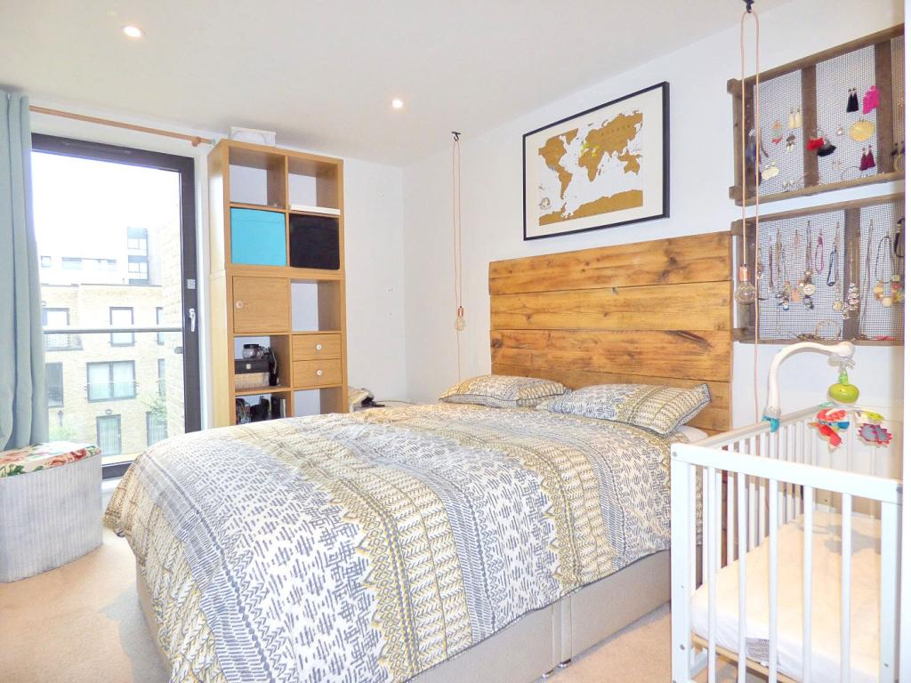 1 bedroom apartment for sale in 4 Axio Way, Tower Hamlets ...