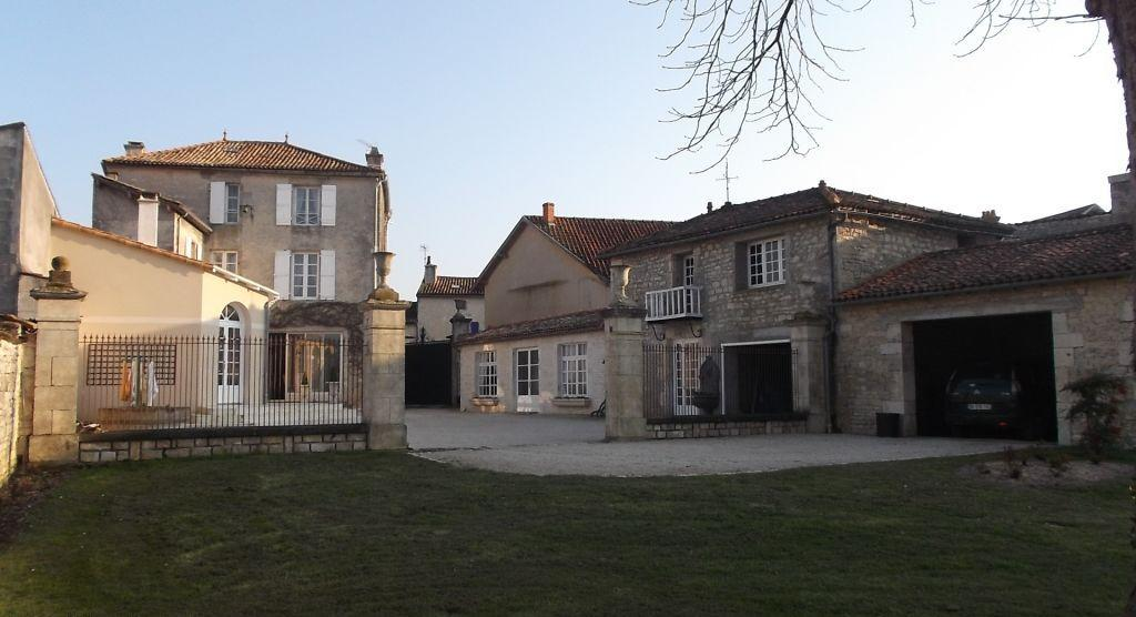 property in Chef-Boutonne...