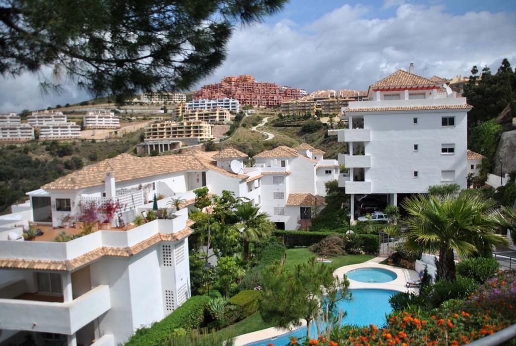 Calahonda Apartment for sale