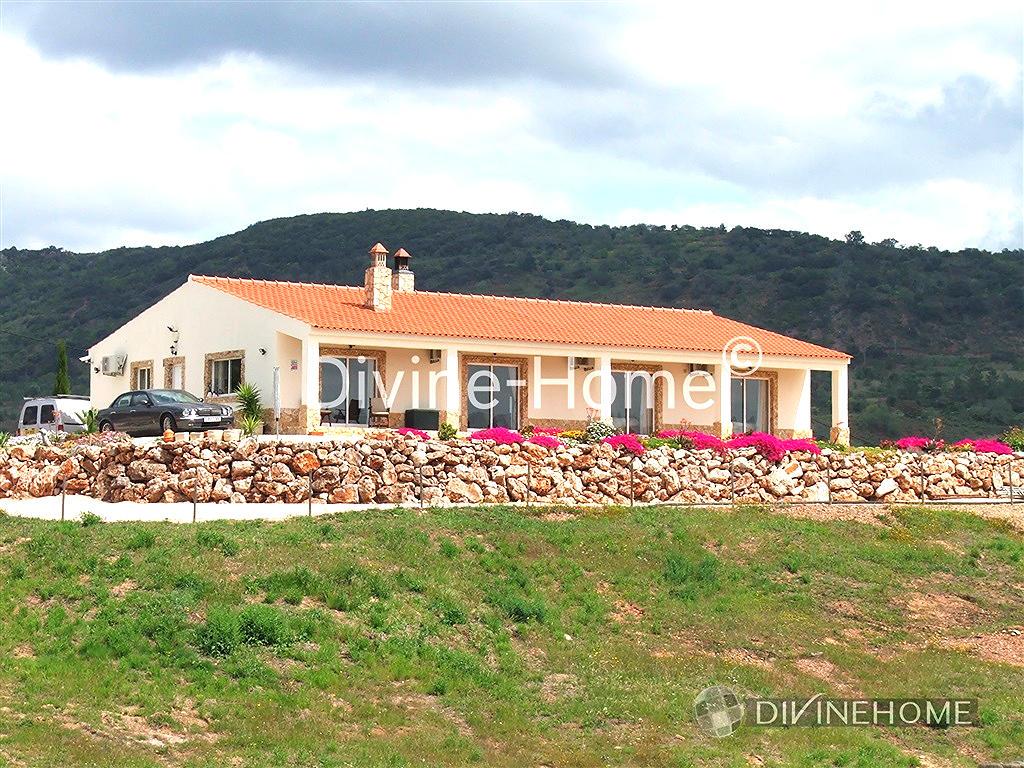 Villa for sale in Algarve, Alte