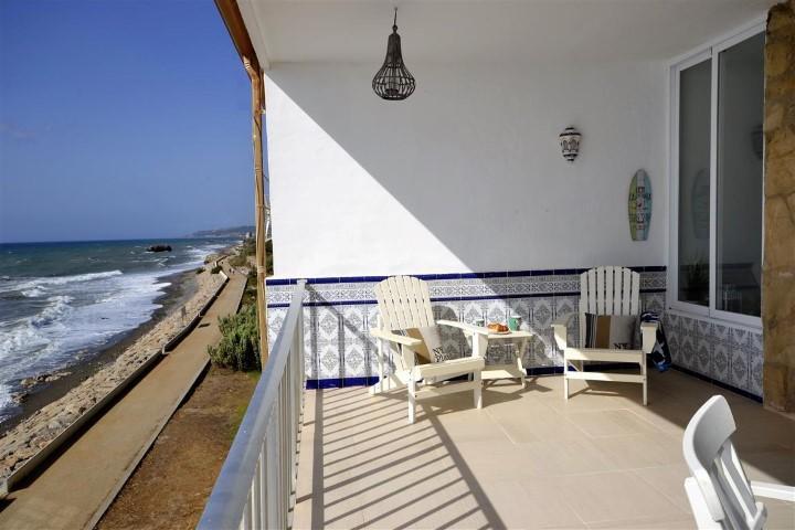 2 bedroom Apartment in Estepona, Málaga...