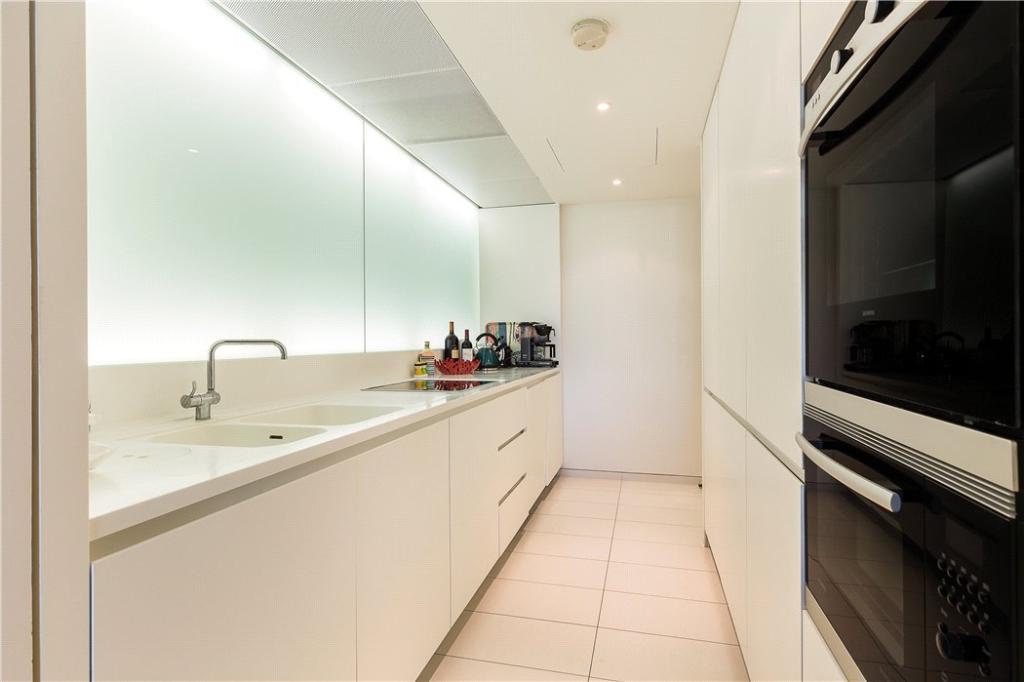 Norman Foster,Kitchen