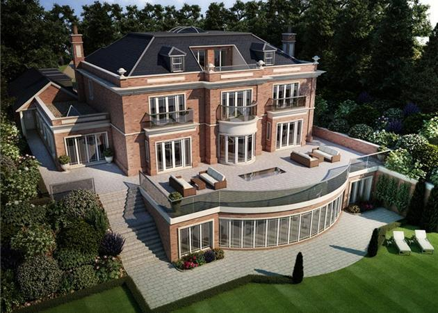 7 Bedroom House For Sale In Woodside Road, Beaconsfield