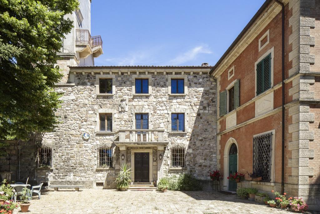 Country House for sale in Emilia-Romagna, Rimini...