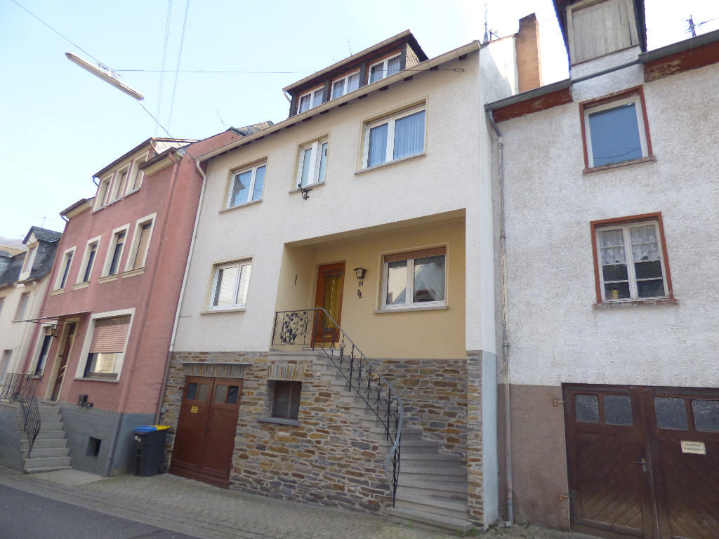 5 bedroom Terraced home for sale in Briedel...