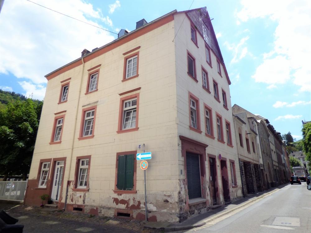 semi detached property in Traben - Trarbach...