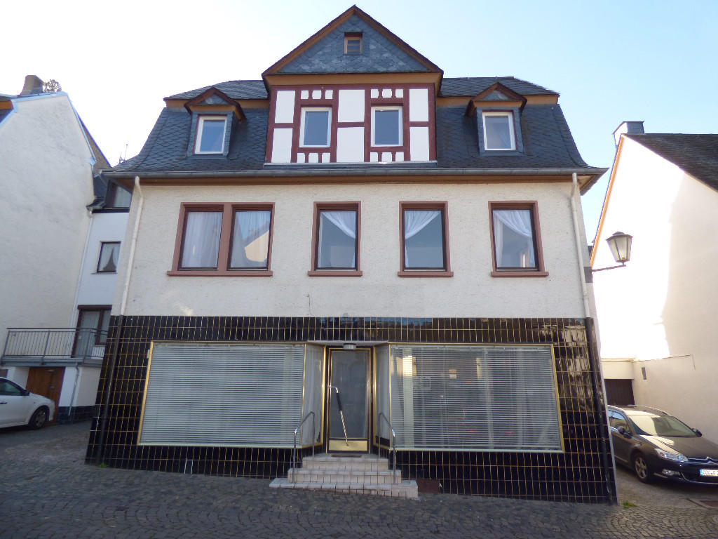 Semi detached house for sale in zell mosel