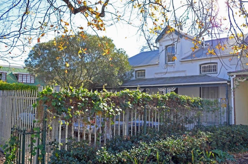 6 bedroom house in Stellenbosch...