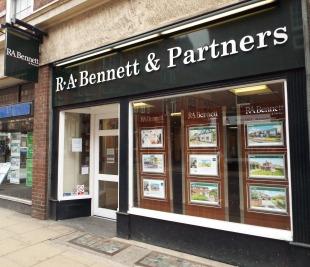 R A Bennett & Partners , Worcesterbranch details