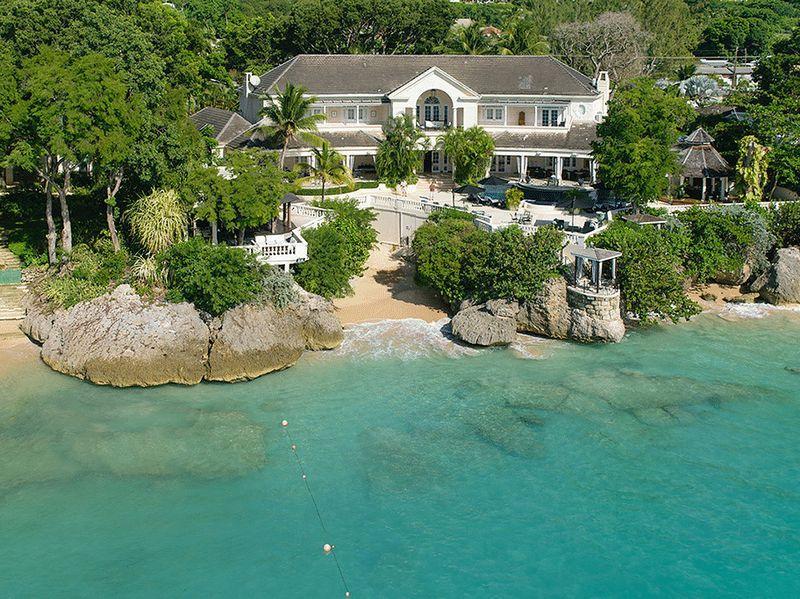 10 bedroom Villa in Cove Spring House...