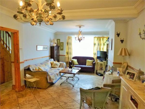 4 bedroom terraced house for rent in Selborne Gardens ...
