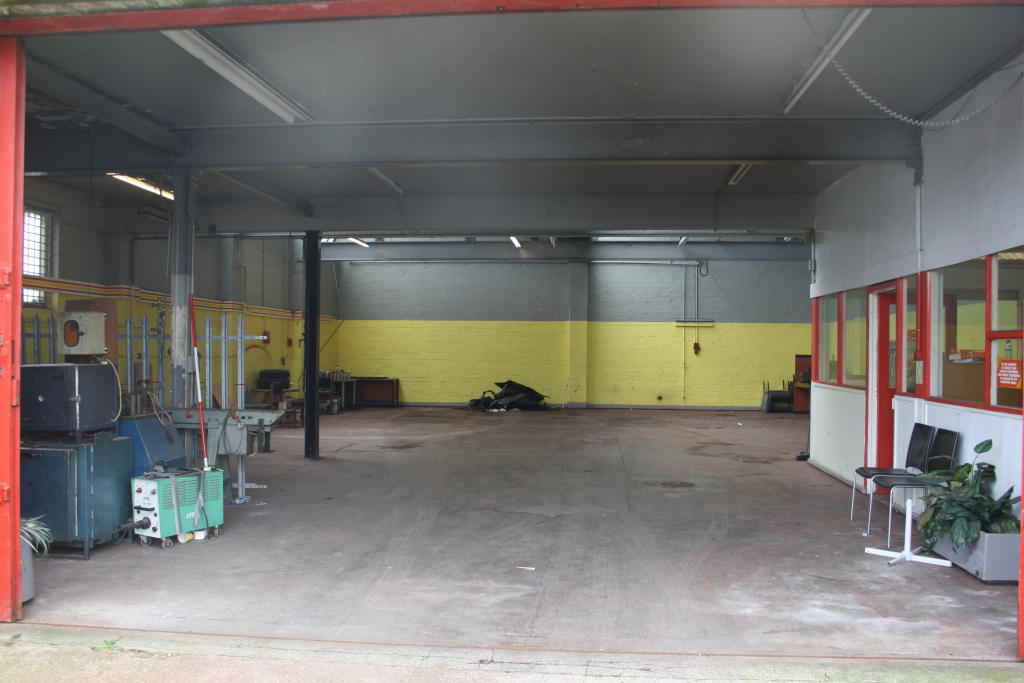 Garage To Rent In Bristol Road South Bournville